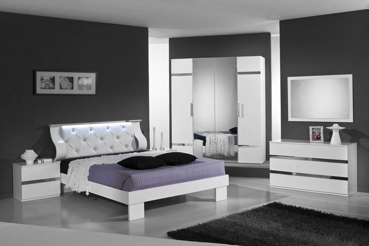 Camere da letto nere bianco e nero in camera da letto for Camere da letto bianche